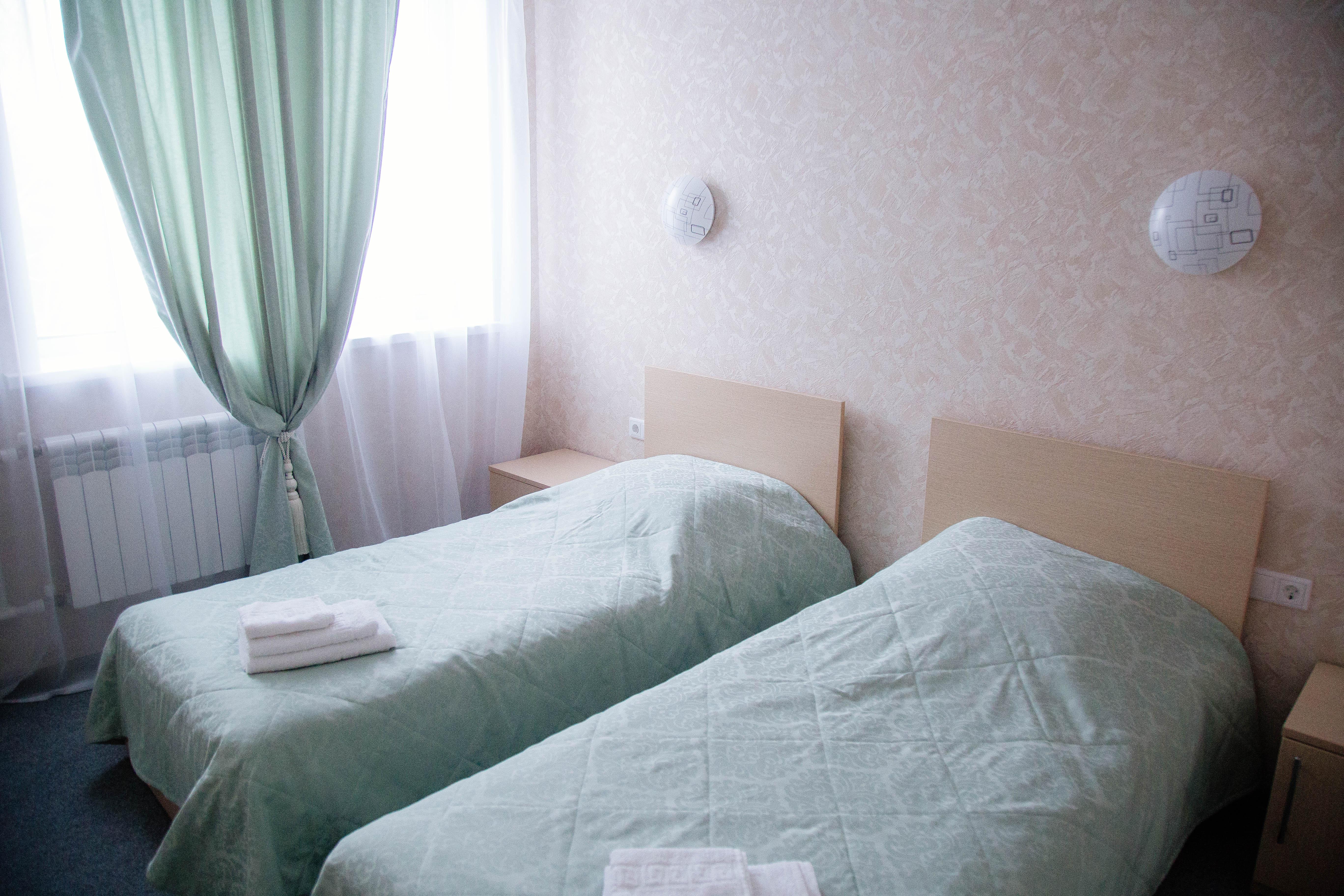 Комфорт трехместный (двухспальная + односпальная кровати)